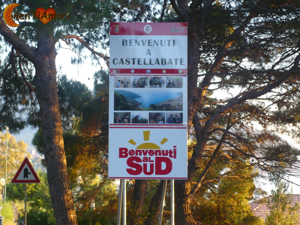 "Cartello ""Benvenuti al Sud"", Castellabate"
