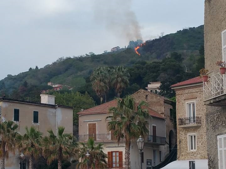 incendio castellabate