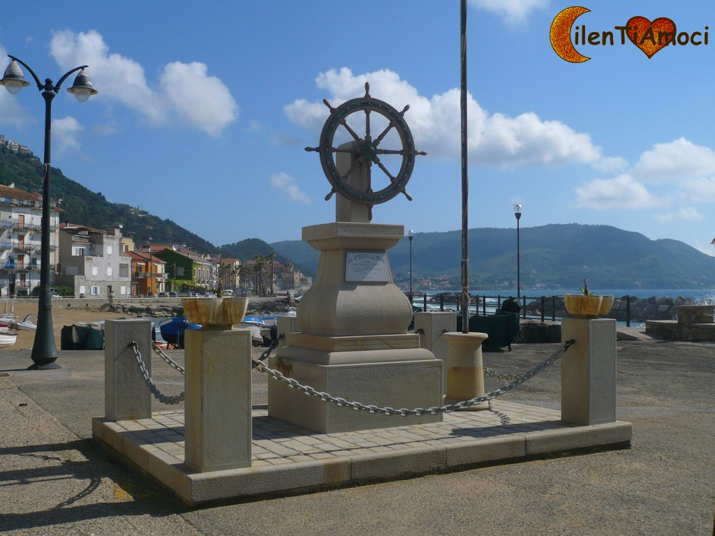 Monumento marinai Santa Maria di Castellabate